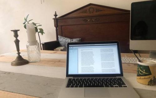 Rose Mentink leest het nieuwe boek van Bram bakker